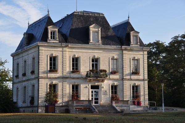 La grande maison site officiel de la commune de cenon for Grande plante maison